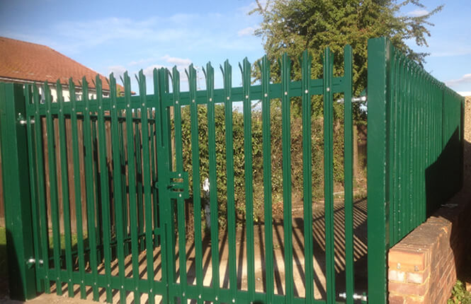 RSG3600 palisade gates and barriers on a private passageway in Mitcham.