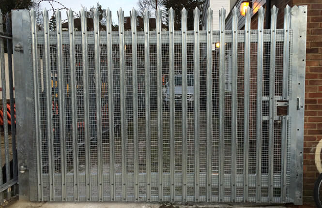 RSG3600 palisade mesh gate on a commercial estate in Wimbledon.