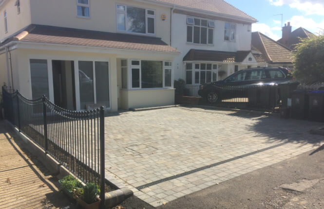 RSG4200 railings on domestic residence in Morden.