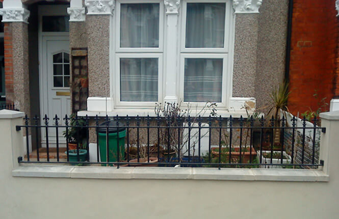 RSG4200 railings on house near Richmond Park.