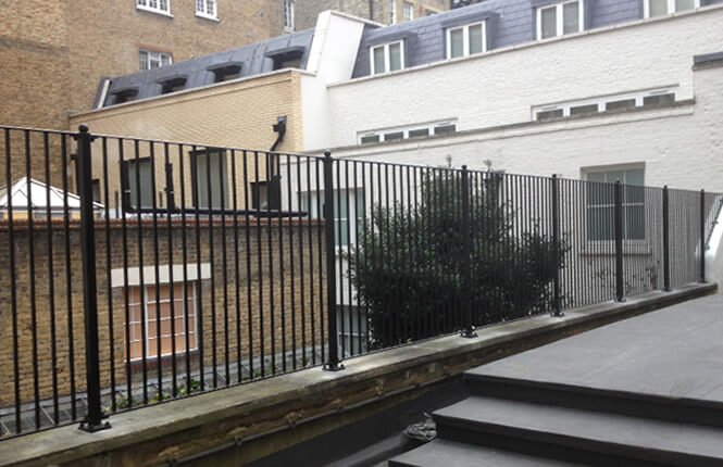 RSG4200 balustrades on residence in Islington.