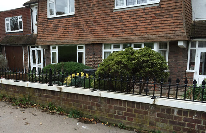 Frontview of RSG4200 railings on a residential property in South London.
