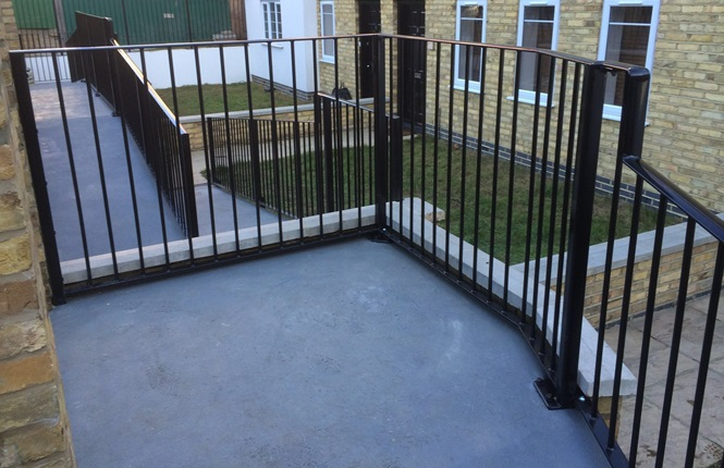 RSG4200 railings securing a residential project in South West London.